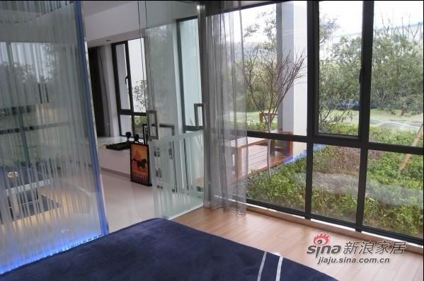 简约 一居 客厅图片来自用户2558728947在4万打造50平米一居室现代简约时尚风格63的分享