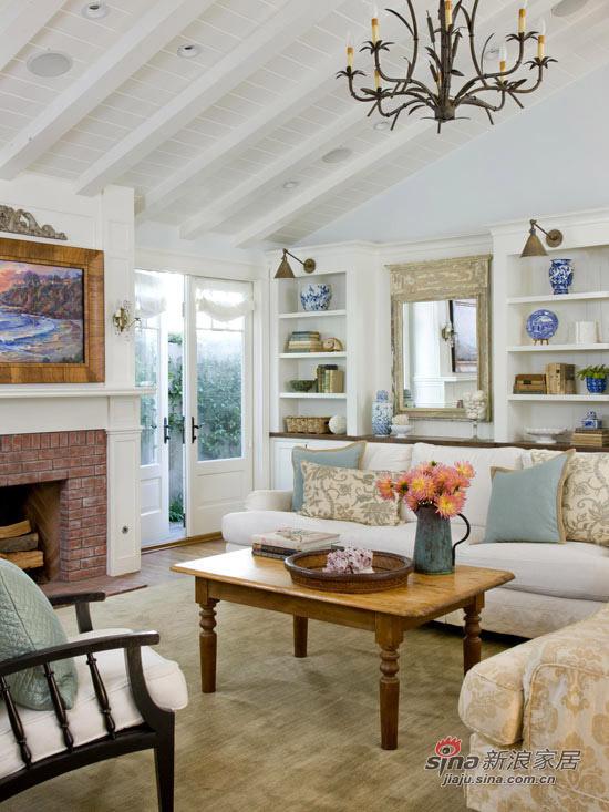 混合时尚的家具配件,和当代艺术作品,整个