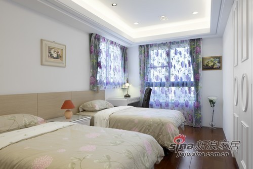 欧式 三居 卧室图片来自用户2746953981在坐拥有法式人生78的分享