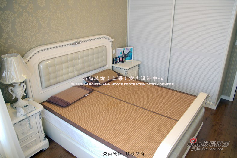 欧式 三居 卧室图片来自用户2746869241在婚房12万精装浪漫简欧三房51的分享