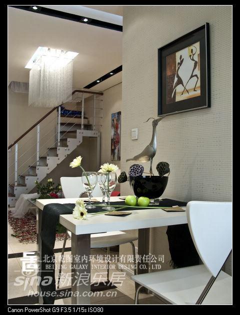 简约 一居 客厅图片来自用户2738093703在打破色戒巧用红黑搭配93的分享