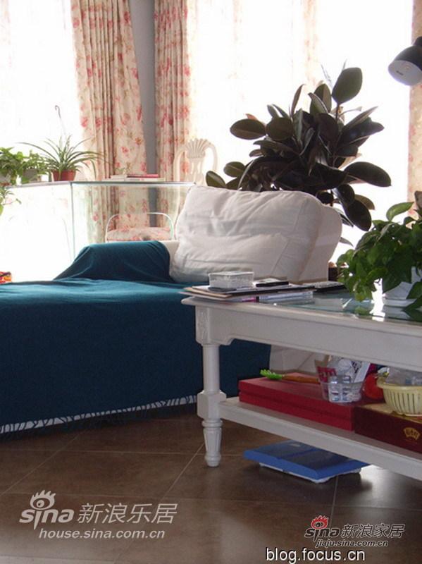 简约 二居 客厅图片来自用户2738820801在浪漫温馨实景田园家12的分享