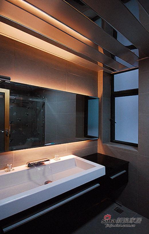 现代 三居 卫生间图片来自佰辰生活装饰在白领光影打造82平现代简约家71的分享