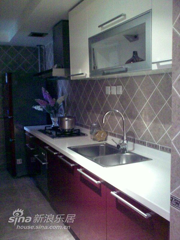 欧式 三居 厨房图片来自用户2746953981在实景:浅粉的童话空间设计71的分享