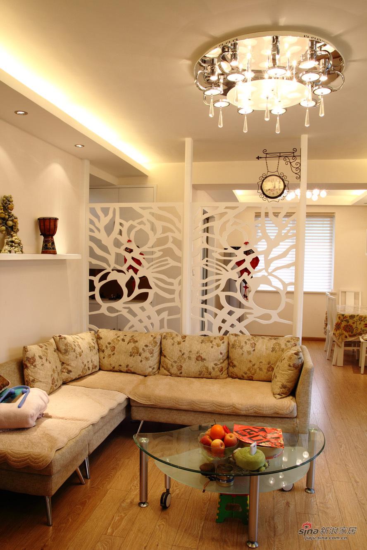 简约 二居 客厅图片来自装修微日记在【高清】10万改造93平简约温馨三口之家23的分享