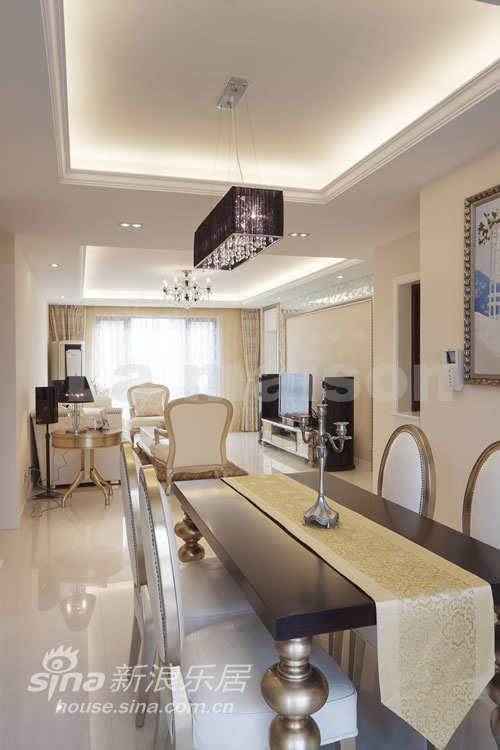 欧式 三居 客厅图片来自用户2772873991在美颂巴黎 现代欧式50的分享