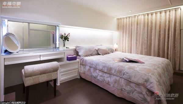 床头采对称的语汇安排,光源采间接方式规划