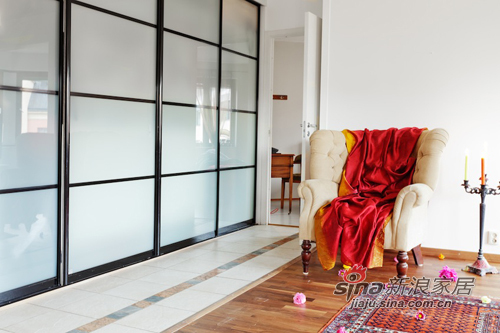 混搭 三居 客厅图片来自用户1907689327在撞色主义4.5万装90平时尚公寓56的分享