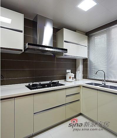 中式 三居 厨房图片来自用户1907658205在夫妻20万打造102平中式3居室60的分享