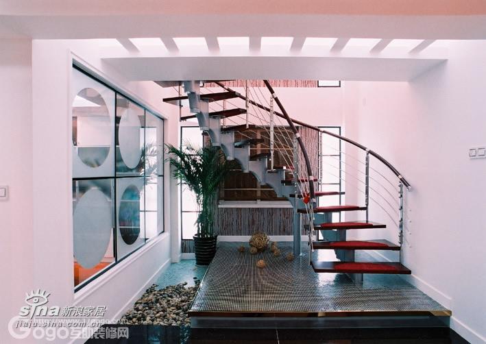简约 别墅 楼梯图片来自用户2737735823在家 灵性生活的空间43的分享