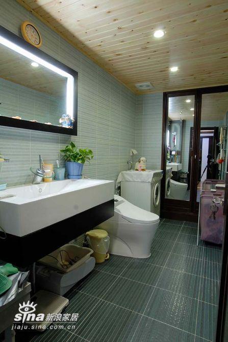 简约 复式 卫生间图片来自用户2738845145在精装200平米公寓68的分享