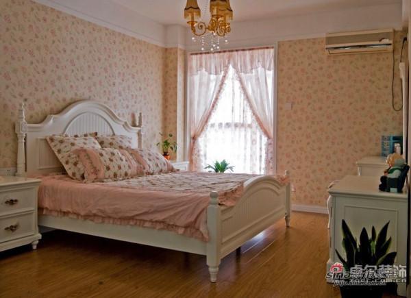 温馨卧室装饰