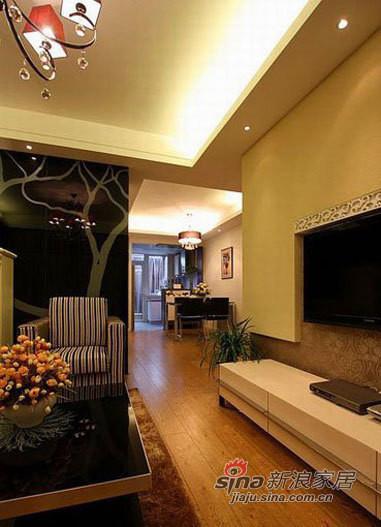 客厅的电视柜,烤漆白色的感觉就是不一样。
