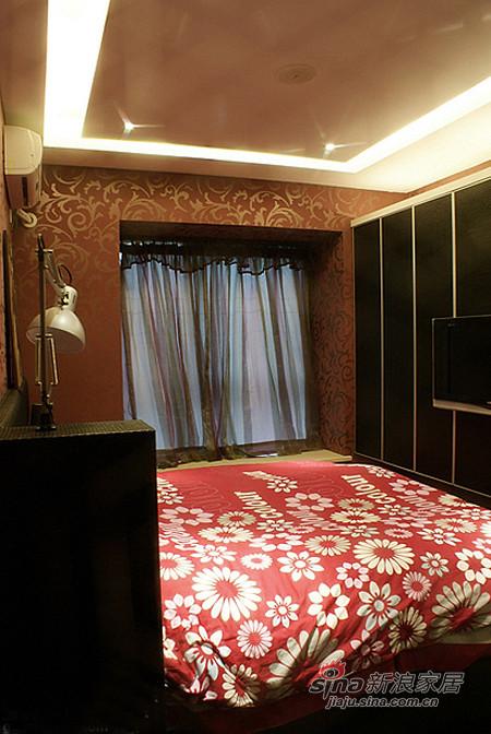 简约 二居 卧室图片来自用户2738820801在小两口5万打造70平时尚三居73的分享