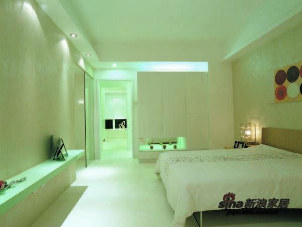 简约 三居 卧室图片来自用户2737786973在126平现代简约三居室 38的分享