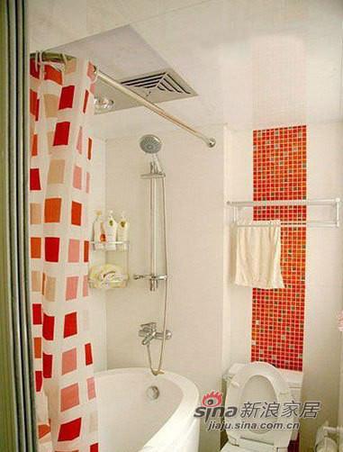 卫生间的全景,大浴缸还是需要的。