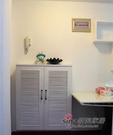 简约 一居 客厅图片来自用户2737735823在50平米魔变两居仅花4万779的分享