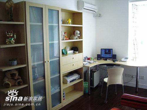 简约 四居 书房图片来自用户2737786973在简约现代装修29的分享