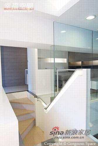 简约 一居 楼梯图片来自幸福空间在69平挑高空间的白色简约77的分享