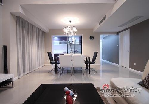 冷色调的家装,搭配好灯光会显得空间宽敞明