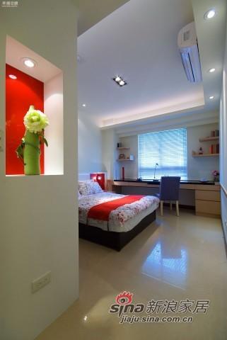 欧式 四居 卧室图片来自幸福空间在148平米新式古典风骚红装91的分享