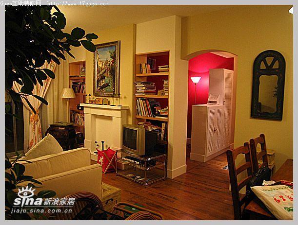 欧式 二居 客厅图片来自用户2746869241在樱桃小屋12的分享