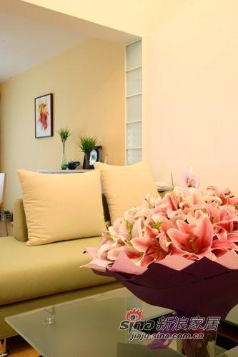 现代 二居 客厅图片来自用户2765170907在色彩与激情 突显细腻与别致空间设计27的分享