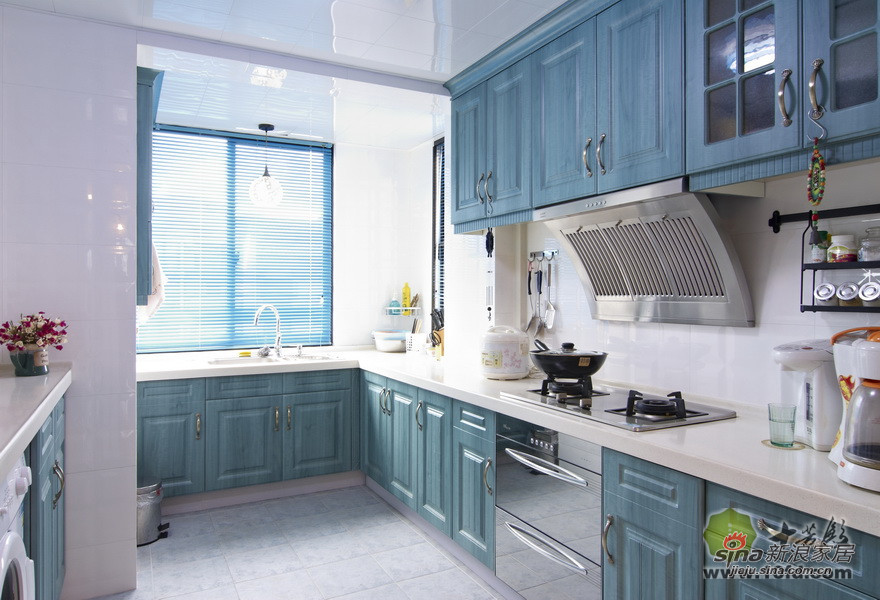 地中海 别墅 厨房图片来自用户2757320995在地中海风格清新自然小别墅37的分享