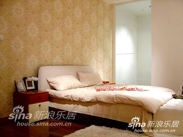 简约 二居 卧室图片来自用户2556216825在现代都市简约素雅二居18的分享
