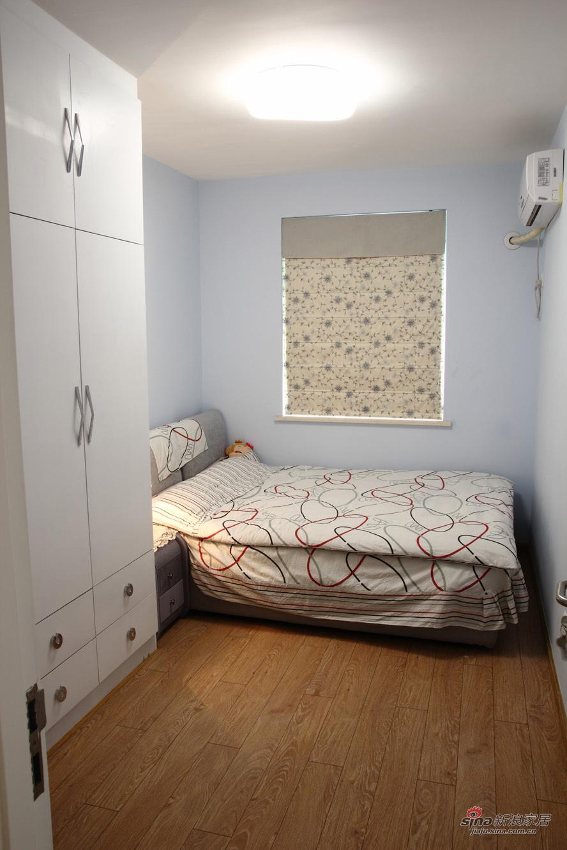 简约 二居 卧室图片来自装修微日记在【高清】10万改造93平简约温馨三口之家23的分享
