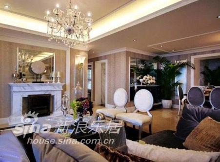 欧式 三居 客厅图片来自用户2772873991在欧式现代85的分享