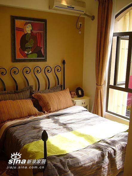 欧式 别墅 卧室图片来自用户2772873991在三大元素打造欧式古堡44的分享