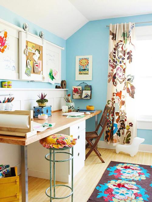 书房 书桌 清新 碎花 糖果色图片来自用户2771736967在最受欢迎实用范 10个书房收纳装饰兼备的分享