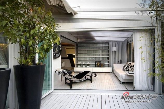 简约 二居 客厅图片来自用户2739378857在15平米马德里阁楼奢华体验57的分享