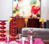家里的精致不仅体现再瞧妙、跳跃的色彩上,精致的杯盏器皿同样值得客人把玩