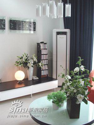 简约 二居 客厅图片来自用户2739153147在时尚温馨小屋二11的分享