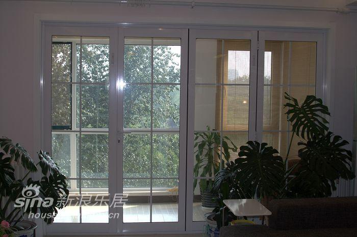 简约 一居 客厅图片来自用户2737950087在实景简约现代56的分享