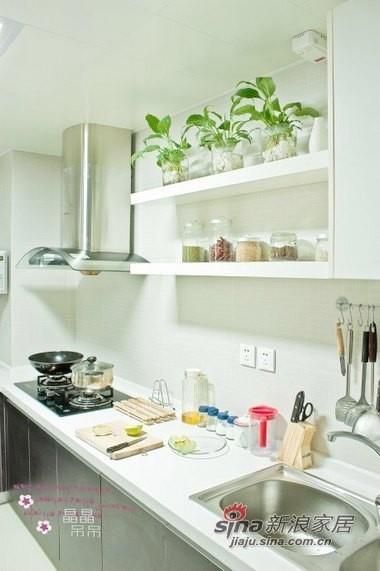 很有森系风格,干净简约的厨房