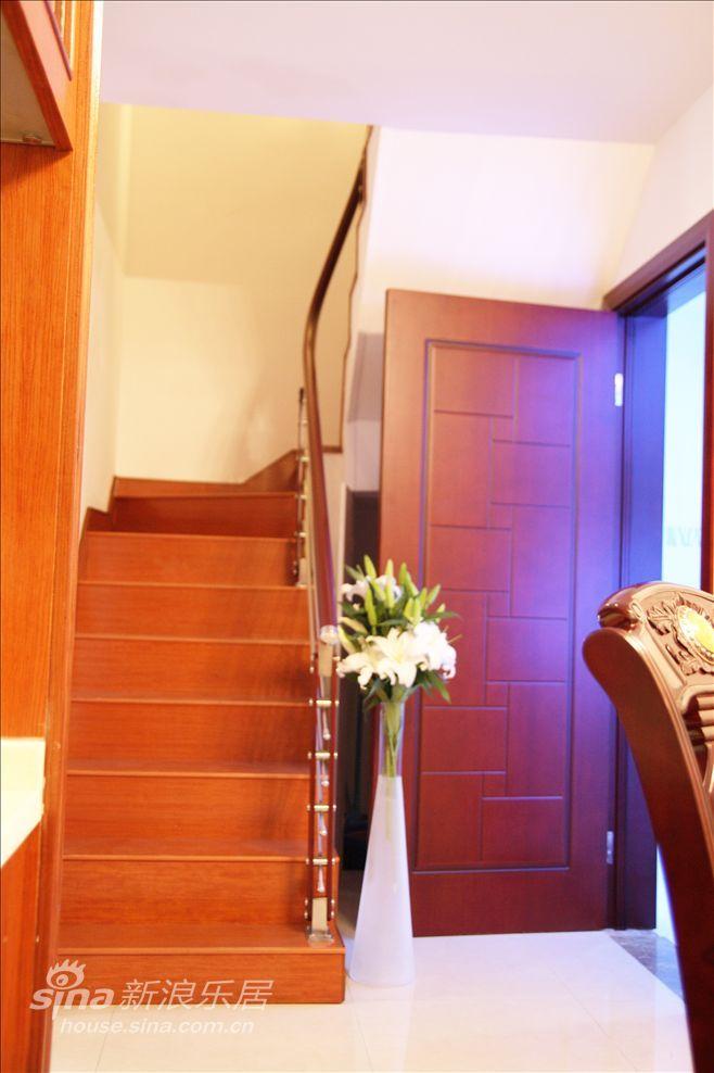 简约 复式 客厅图片来自用户2737735823在简约现代-天地花园19的分享