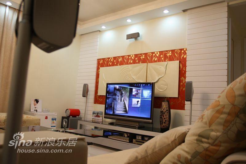 简约 一居 客厅图片来自用户2558728947在繁复中体会柔雅,简洁中混搭前卫48的分享