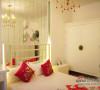 荷塘月色的挂画,给卧室增添了几分优雅的味