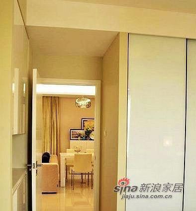 现代 二居 客厅图片来自用户2375967697在白领85平装简约清幽小2居38的分享