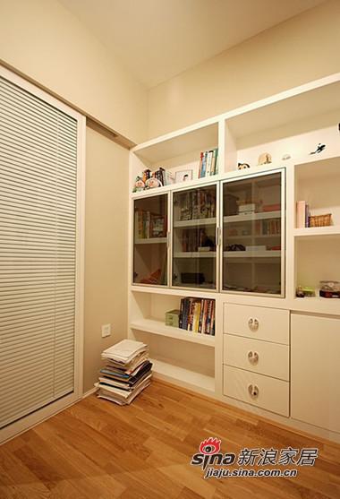 简约 三居 卧室图片来自用户2738093703在时尚白领5.8万装110平现代温馨两室44的分享