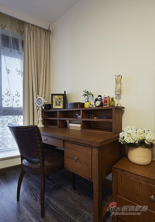 简约 复式 书房图片来自装修微日记在【高清】夫妻190平复古情调复式空间48的分享