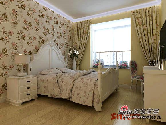卧室碎花墙纸和床饰呼应