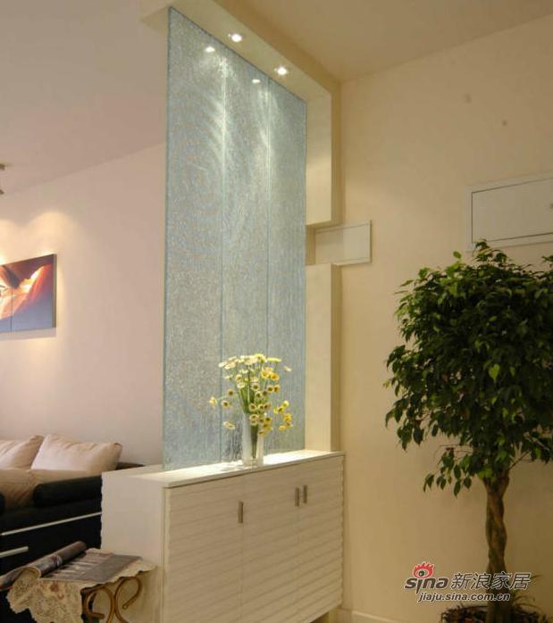简约 三居 玄关图片来自用户2737786973在10万打造96平现代简约婚房34的分享