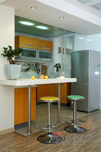 开放式的厨房别有一番特色。