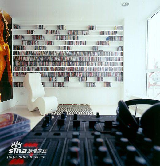 简约 四居 书房图片来自用户2737950087在SOHO一族的简约之家33的分享