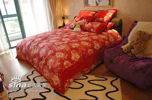 简约 二居 卧室图片来自用户2737782783在木质与黑白完美交织73的分享