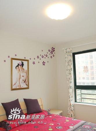 简约 三居 卧室图片来自用户2737782783在10万装134平3室2厅27的分享